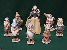 LLADRO GLAZED CERAMIC FIGURE GROUP OF DISNEY SNOW WHITE AND SEVEN DWARFS