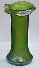 PRETTY IRRIDESCENT GLASS VASE IN THE JOHN DITCHFIELD STYLE 24cm