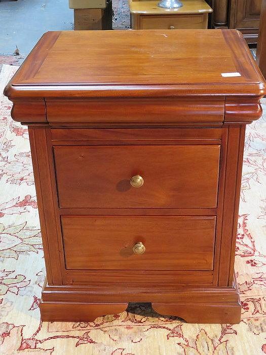 G plan modern two drawer bedside cabinet for Bedside cabinet plans