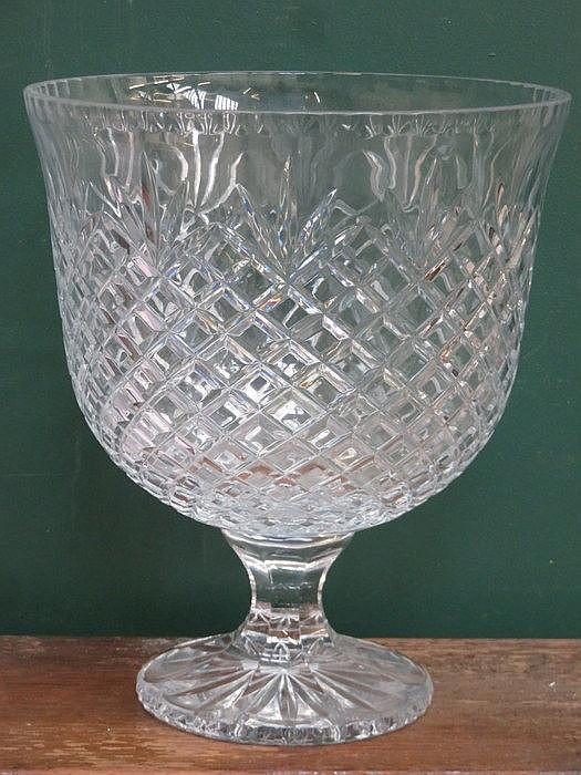 LARGE STEMMED GLASS FRUIT BOWL, APPROXIMATELY 31cm HIGH