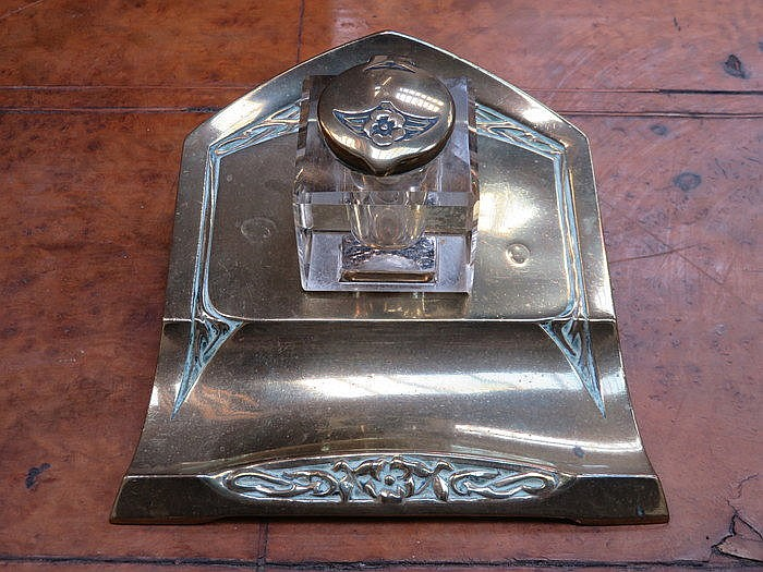 ART NOUVEAU STYLE BRASS AND GLASS STYLE INKWELL ON BRASS STAND