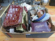 SUNDRY LOT INCLUDING VINTAGE BAGS, POSTCARDS, BUTTONS ETC...