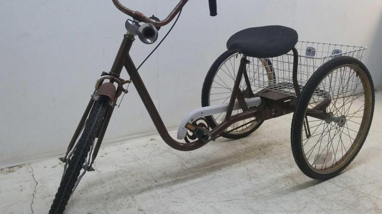 Antique Airplane Tricycle : Vintage trike