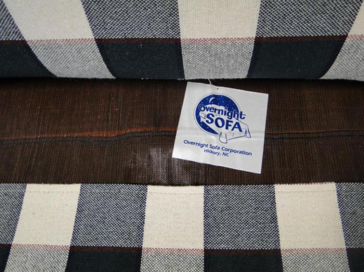 A Brand New Plaid Sleeper Sofa In Excellent Condition 33 X