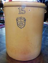 15 gallon bailed handled crown mark crock, in good condition.