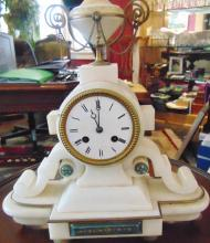 Victorian white marble French mantle clock with urn top; Measures 14