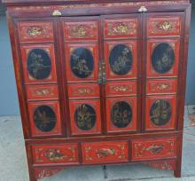 Outstanding 1700's Chinese oriental lacquered four door kimono cabinet, depict