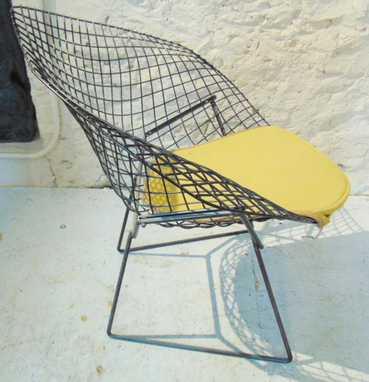 knoll bertoia diamond wire chair with original cushion the. Black Bedroom Furniture Sets. Home Design Ideas