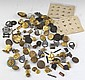 LARGE LOT OF ASSORTED US MILITARY INSIGNIA