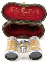 Lot 9046: 3 ANTIQUE MOTHER OF PEARL FRENCH OPERA GLASSES