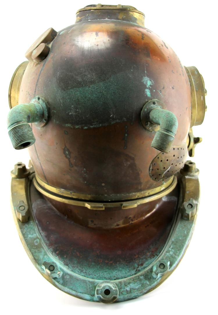 Lot 9051: DECORATIVE COPPER AND BRASS DIVE HELMET