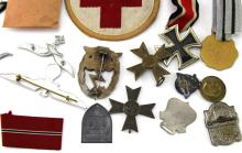 Lot 9099: GROUPING OF WWII GERMAN ITEMS