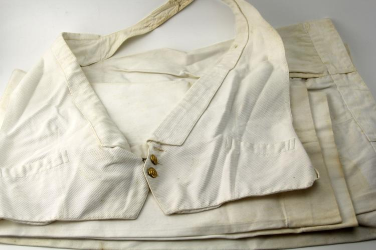 Lot 9107: WWII US NAVY UNIFORM LOT