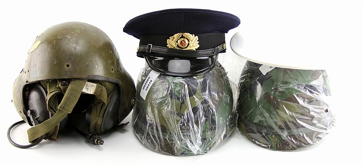 MIXED GROUP OF COLD WAR HEAD GEAR