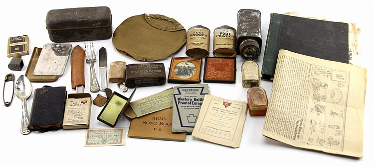 MIXED LOT OF US WWI ITEMS