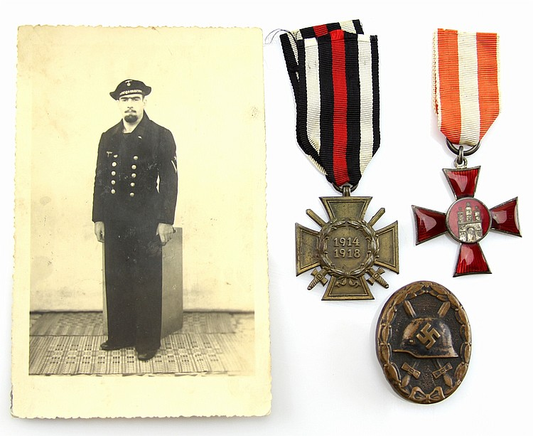 GERMAN MEDALS AND PHOTO