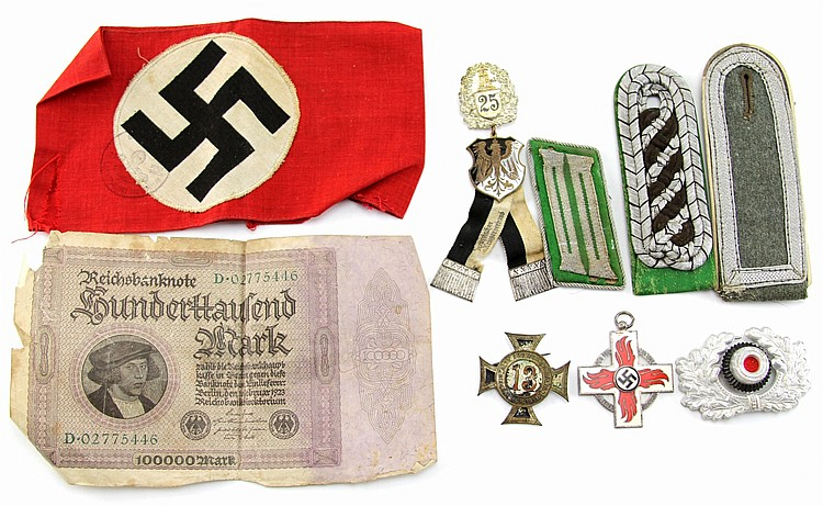 LOT OF WWI - WWII GERMAN ITEMS