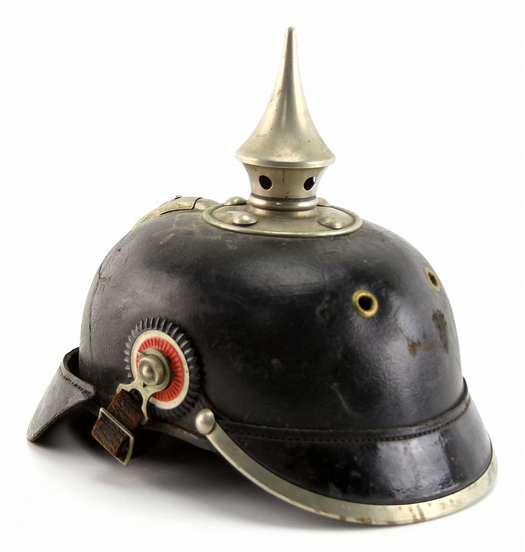 WWI GERMAN PICKLEHAUBE HELMET