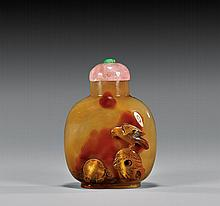 CAMEO CARVED AGATE SNUFF BOTTLE
