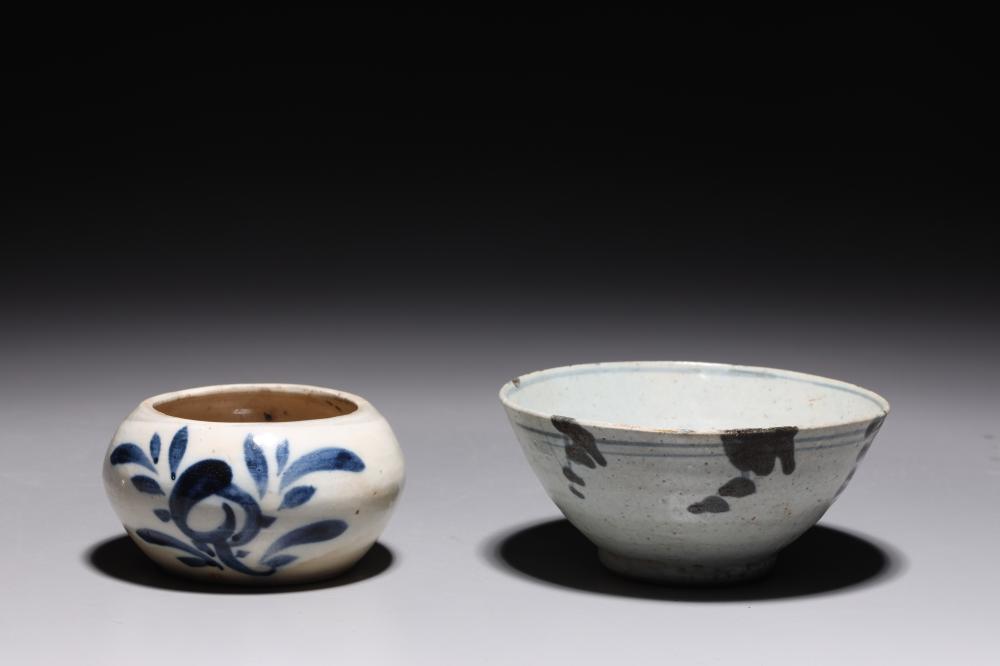 TWO KOREAN BLUE & WHITE CERAMICS