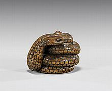 ANTIQUE CARVED WOOD NETSUKE: Snake