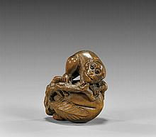 ANTIQUE WOOD NETSUKE: Monkey & Peach