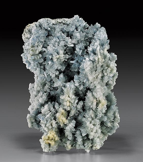 BLUE BARITE CLUSTER