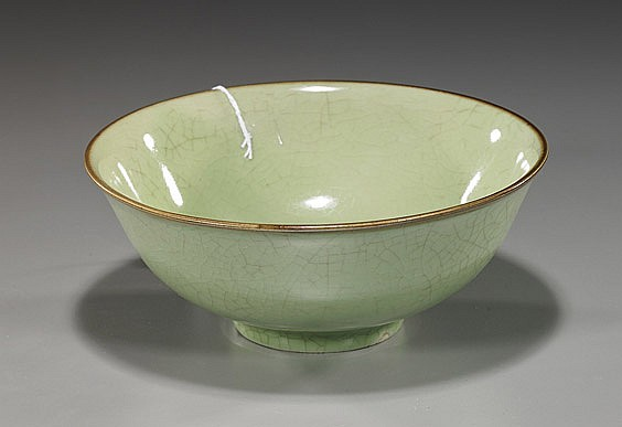 Chinese Crackle-Glazed Porcelain Bowl