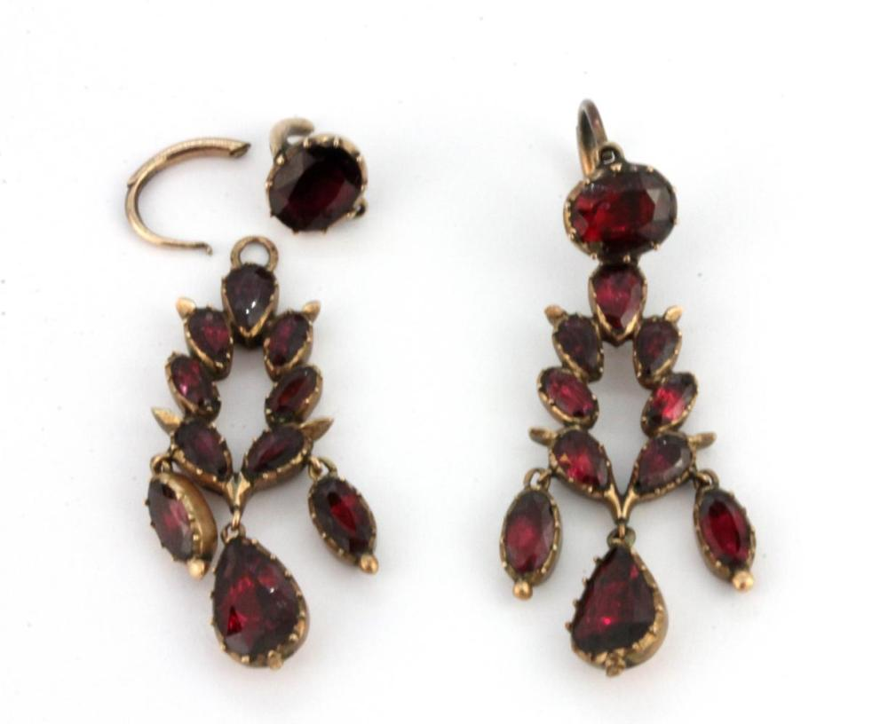 A pair of Georgian / early Victorian flat cut foiled garnet earrings, (one earring a/f).