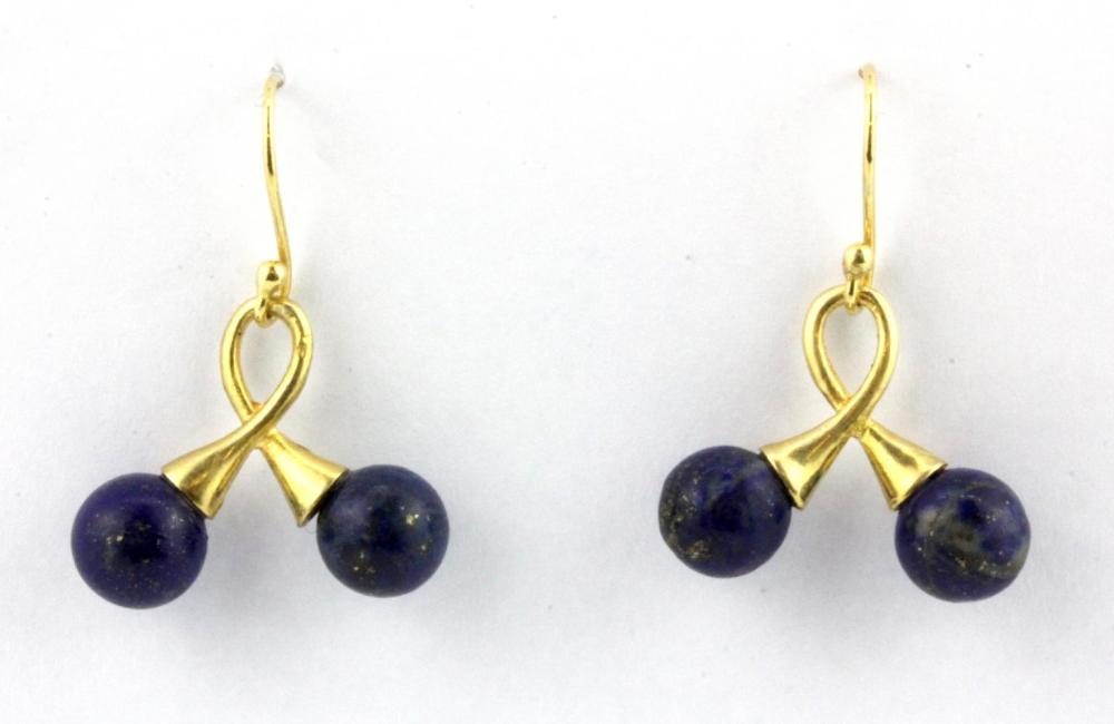 A pair of 925 silver drop earrings set with lapis lazuli, L. 3cm.