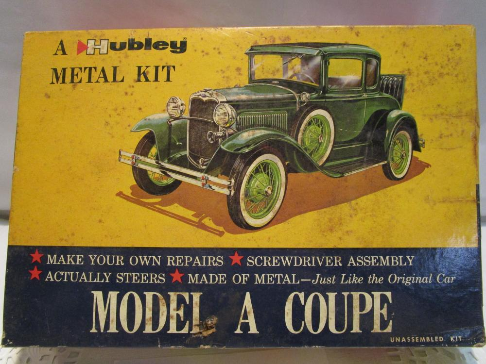 "Hubley MODEL A COUPE Metal Model Kit ""UNBUILT"" in Box"