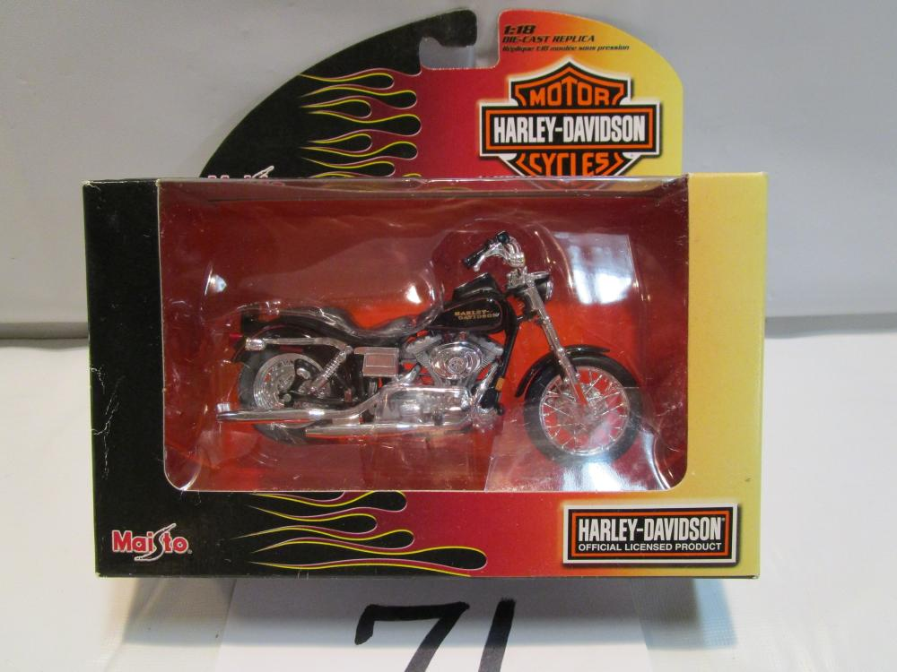 Maisto Die Cast Replica 2002 FXDL Dyna Low Rider