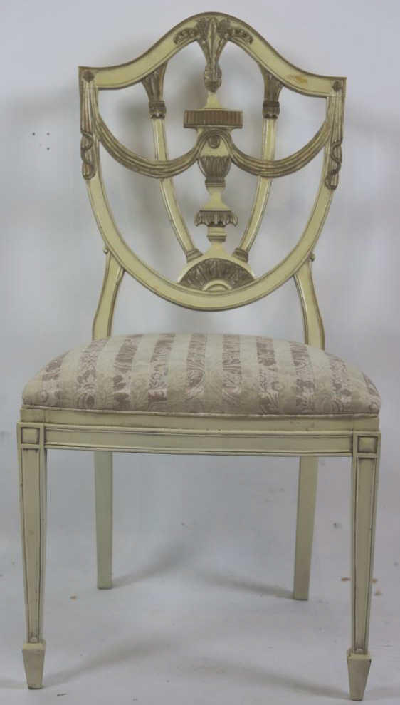 Lot 202: ANTIQUE PAINT DECORATED SHIELD BACK SIDE CHAIR - ANTIQUE PAINT DECORATED SHIELD BACK SIDE CHAIR
