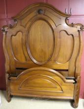 AMERICAN ANTIQUE VICTORIAN WALNUT HIGH BACK BED