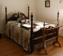 ANTIQUE NC WALNUT WARLICK POSTER BED