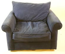 CCONTEMPORARY OVERSIZED CLUB CHAIR