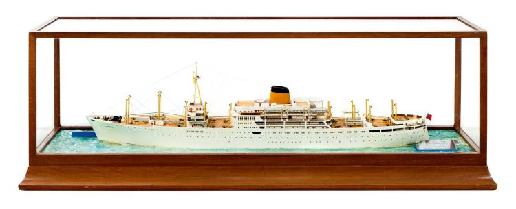 A TRAVEL AGENT'S WATERLINE MODEL FOR THE PASSENGER CARGO SHI