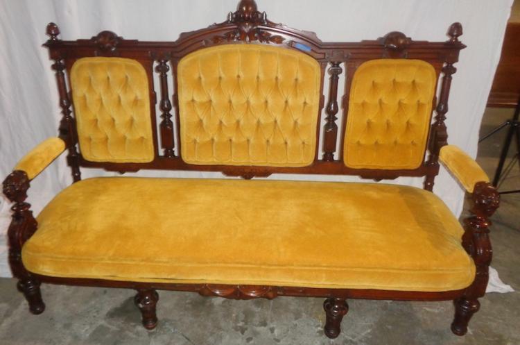 Edwardian Sofa (gold)
