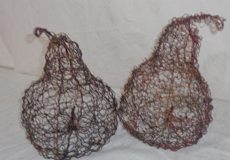 Pair Of Wire Pears