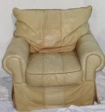 Leather Club Chair 33 H 40 W 35 D