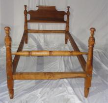 Pair Of Antique Twin Turned Post Beds 45x80x41.5