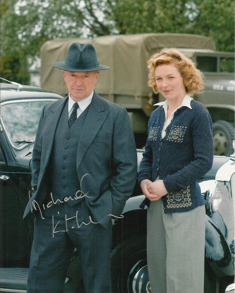 Michael Kitchen Signed Colour 10 X 8 Photo From Foyles War. Good Condition