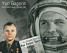Space photos unsigned Apollo XI crew photos x 2, Y
