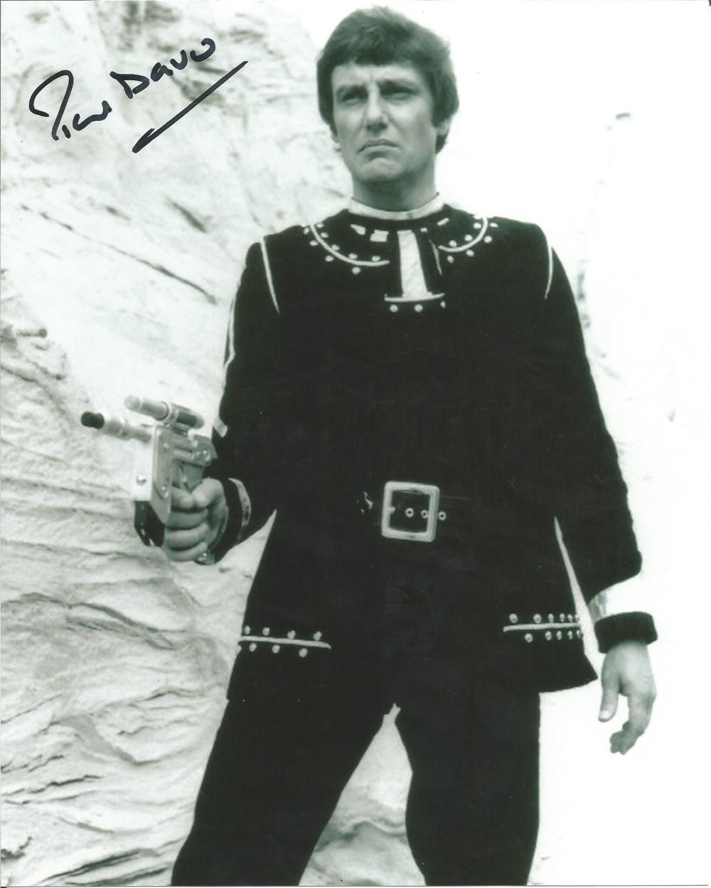 Paul Darrow Blakes 7 hand signed 10x8 photo. This beautiful hand-signed photo depicts Paul Darrow as