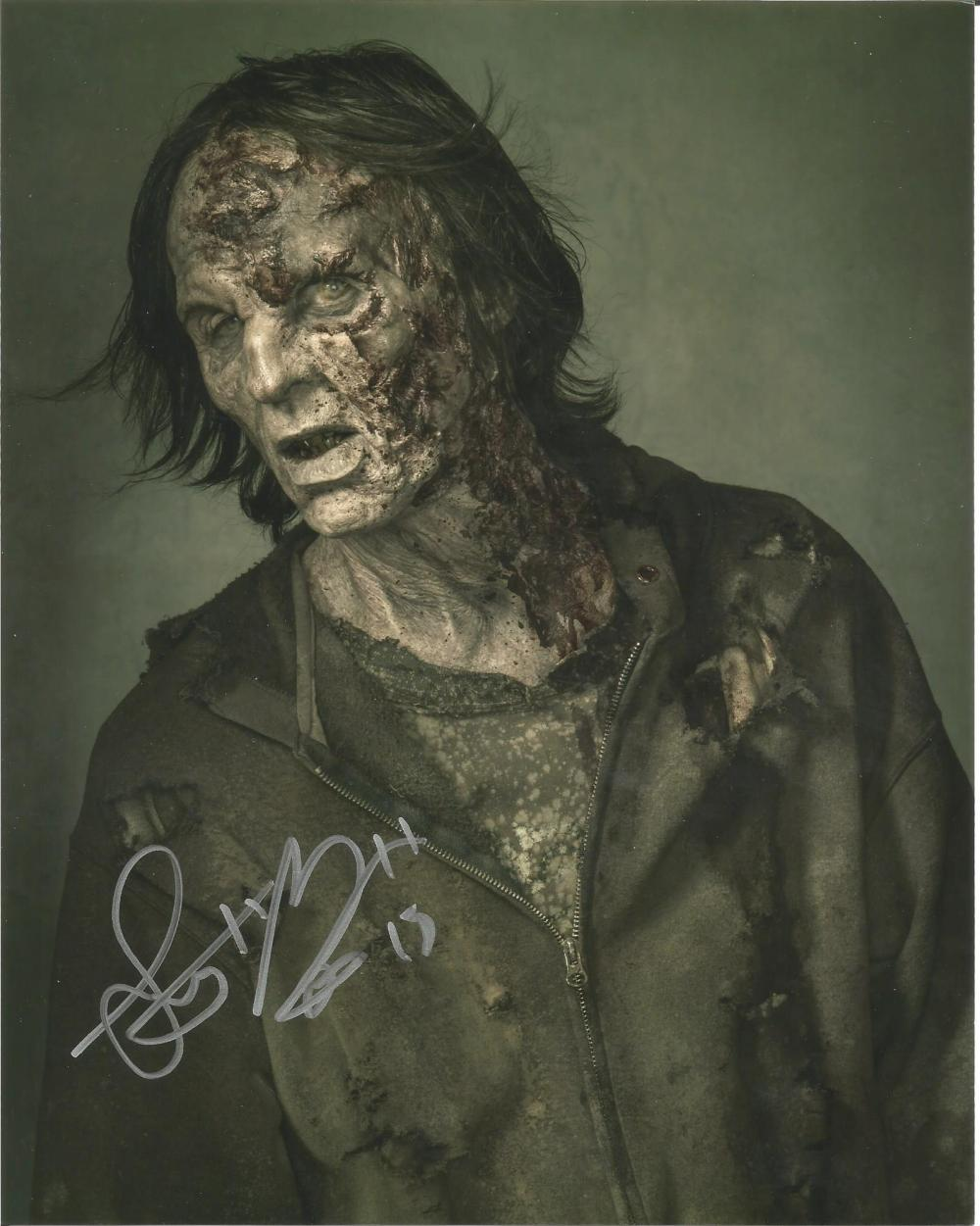 Lot of 5 Walking Dead hand signed 10x8 photos. This beautiful set of 5 hand-signed photos