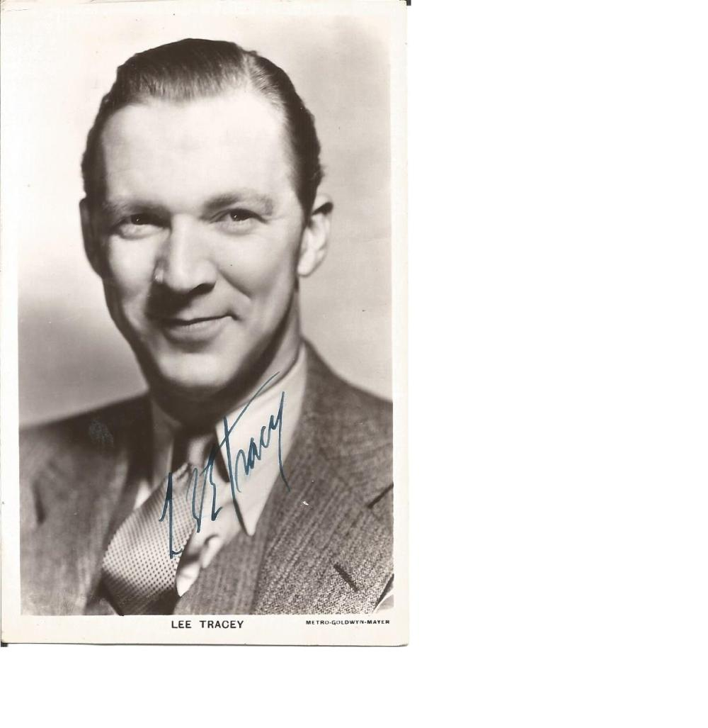 Lee Tracey signed 6x4 vintage postcard. (April 14, 1898 - October 18, 1968) was an American actor.