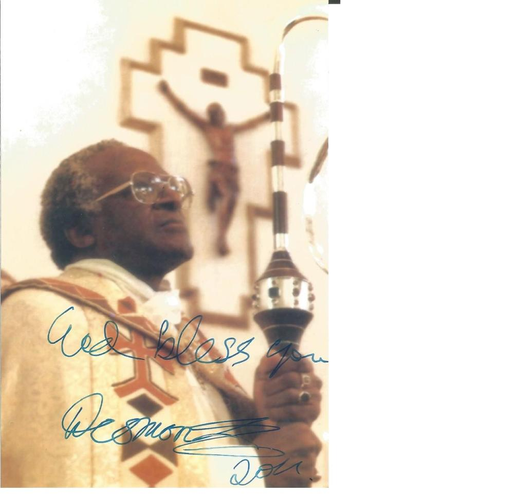 Archbishop Desmond Tutu signed 6 x 4 colour photo. Comes with biography information. Good Condition.
