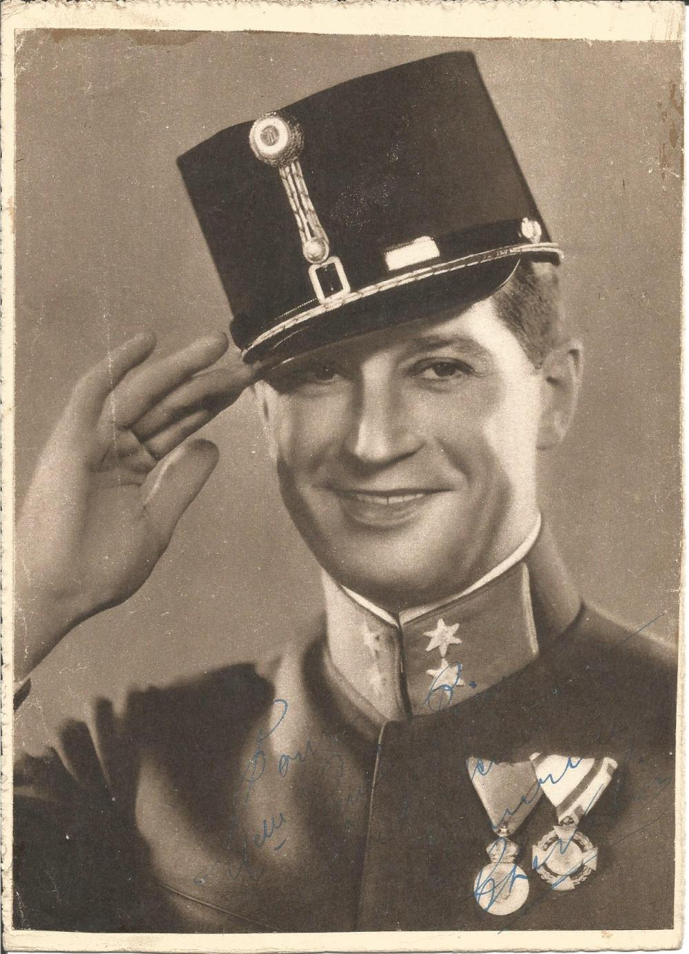 Maurice Chevalier signed 10x7 b/w photo of him in soldier uniform. (September 12, 1888 - January
