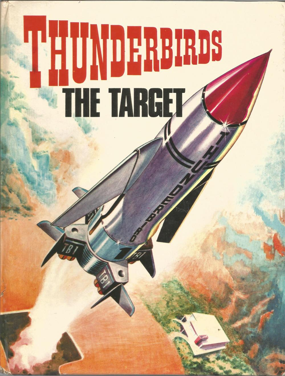 RARE Thunderbirds 1966 Vintage Annual The Target in good condition. Early publication becoming