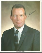 Gordon Cooper signed 10 x 8 colour business suit portrait photo. Good Condition. All signed items